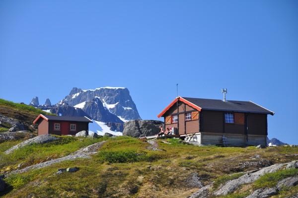 Snytindhytta har strøken beliggenhet - Foto: Trond Løkke