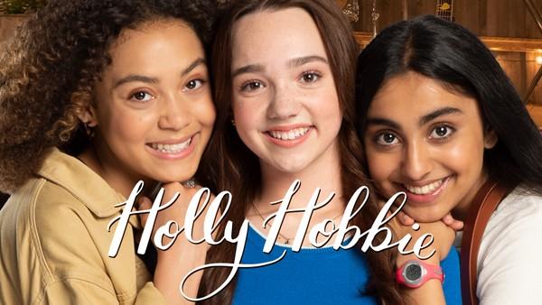 Amerikansk drama om 13 år gamle Holly Hobbie som ikke er redd for å kjempe for saker hun tror på, selv om det fører til bråk. Hun har planer om å redde verden en dag, og hun begynner med landsbyen Collinsville.