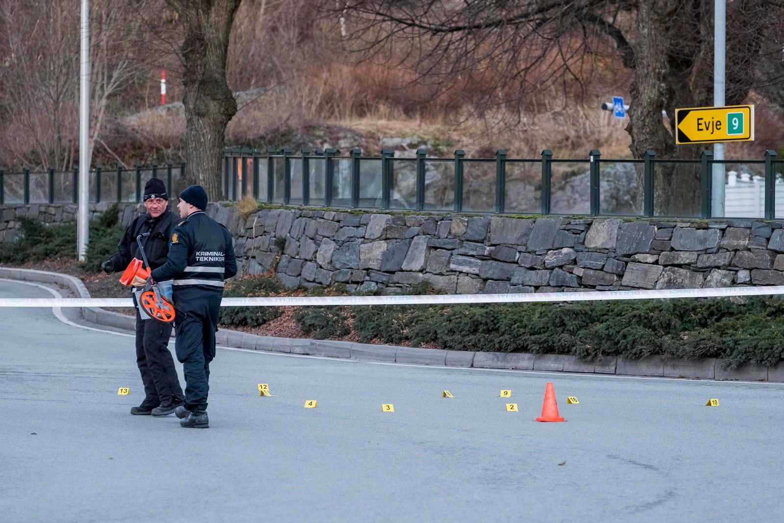 En mann døde etter en skyting med politiet i Kristiansand.