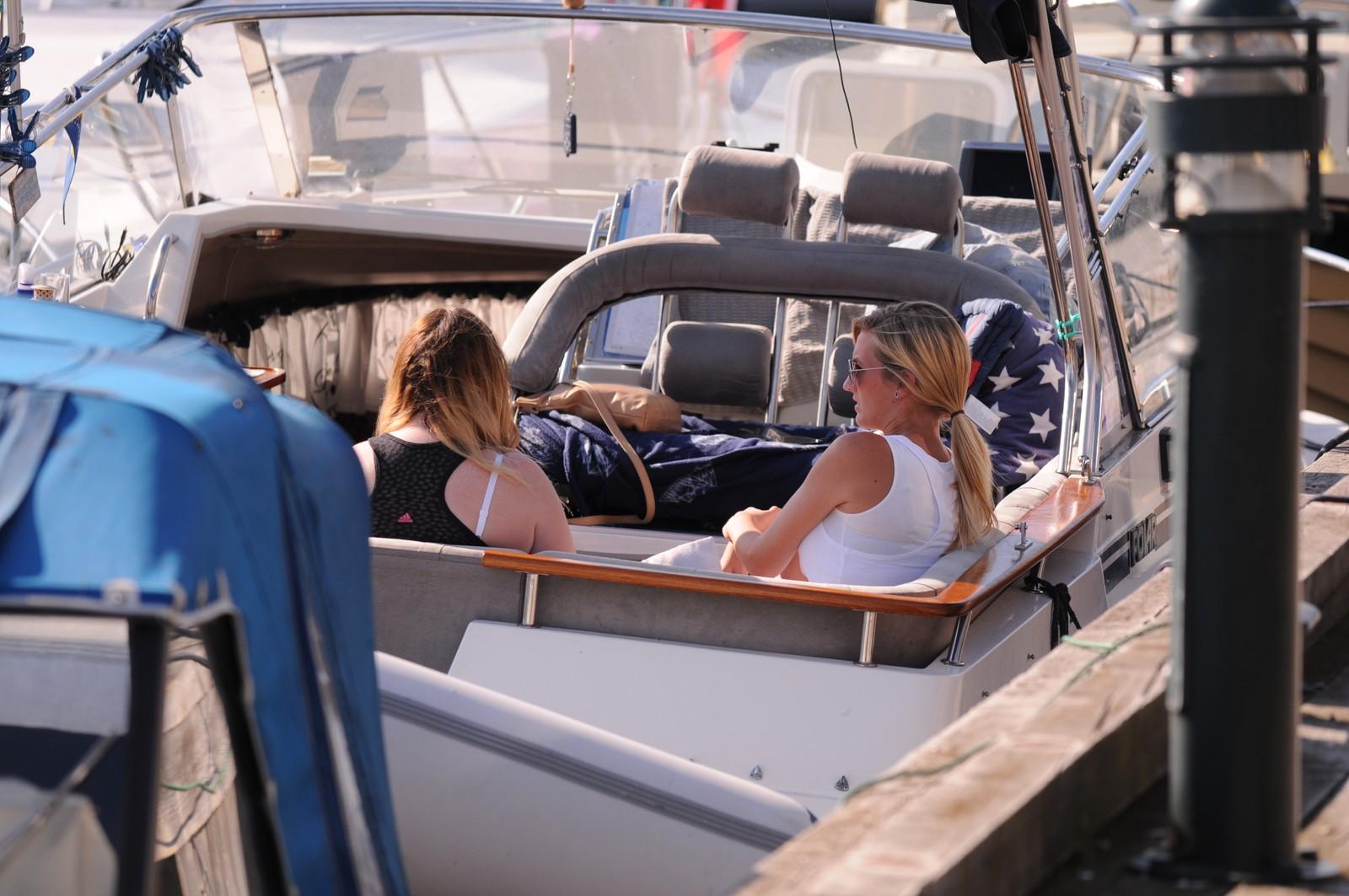 I båt på Bragernes strand.