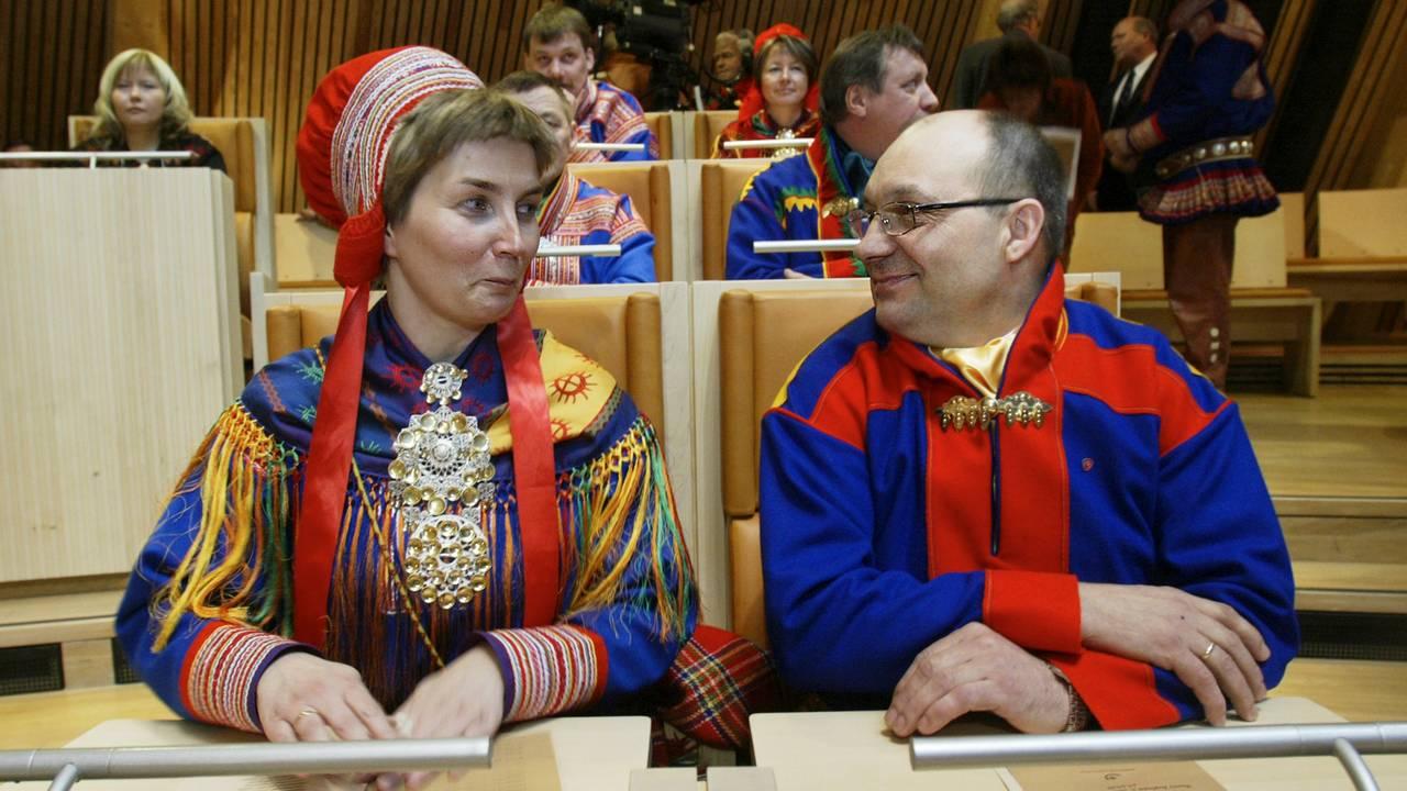 Aili Keskitalo og Egil Olli på Sametinget i 2005