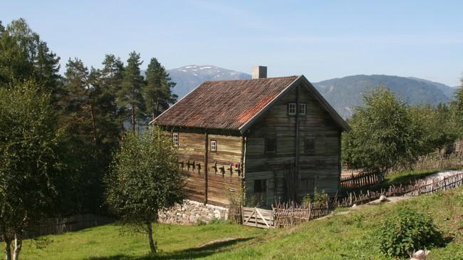 Leirmostova frå Gaupne på Sogn Folkemuseum. Foto: Kjell Arvid Stølen, NRK.