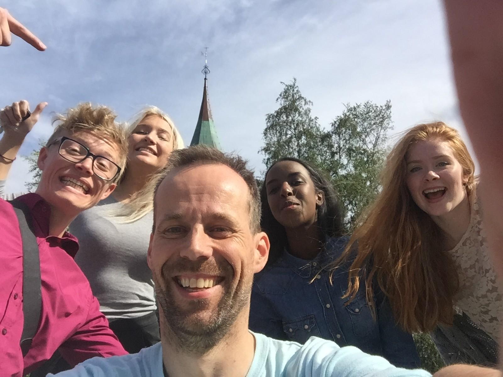 I Hemnes kommune tok vi selfie med ordfører Kjell Joar Petersen-Øverleir(H).