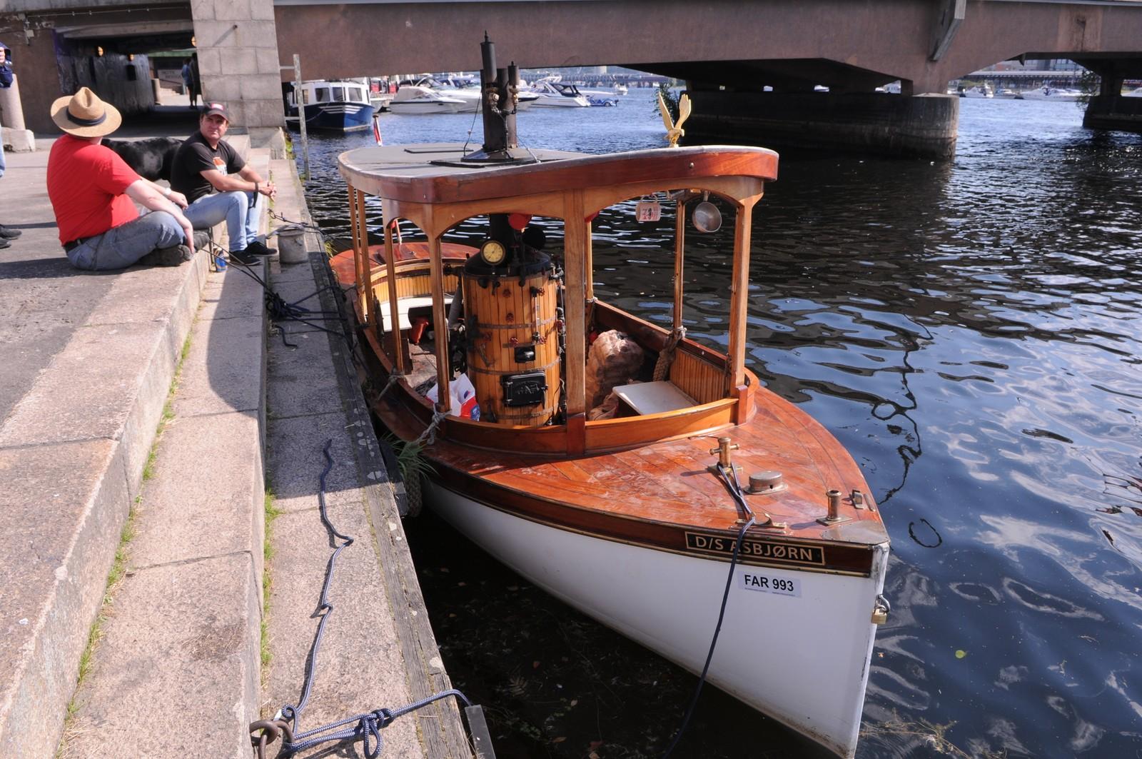 dampbåt,Elvefestivalen,2015,1902-modell,6 knop,importert fra USA,kosta 25000 $ hjemmehørende på Eikeren