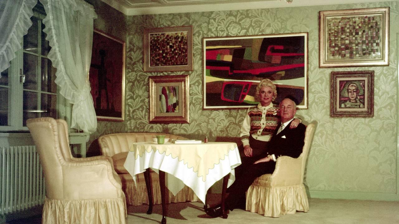 Sonja Henie og Niels Onstad i sitt hjem, oktober 1960.