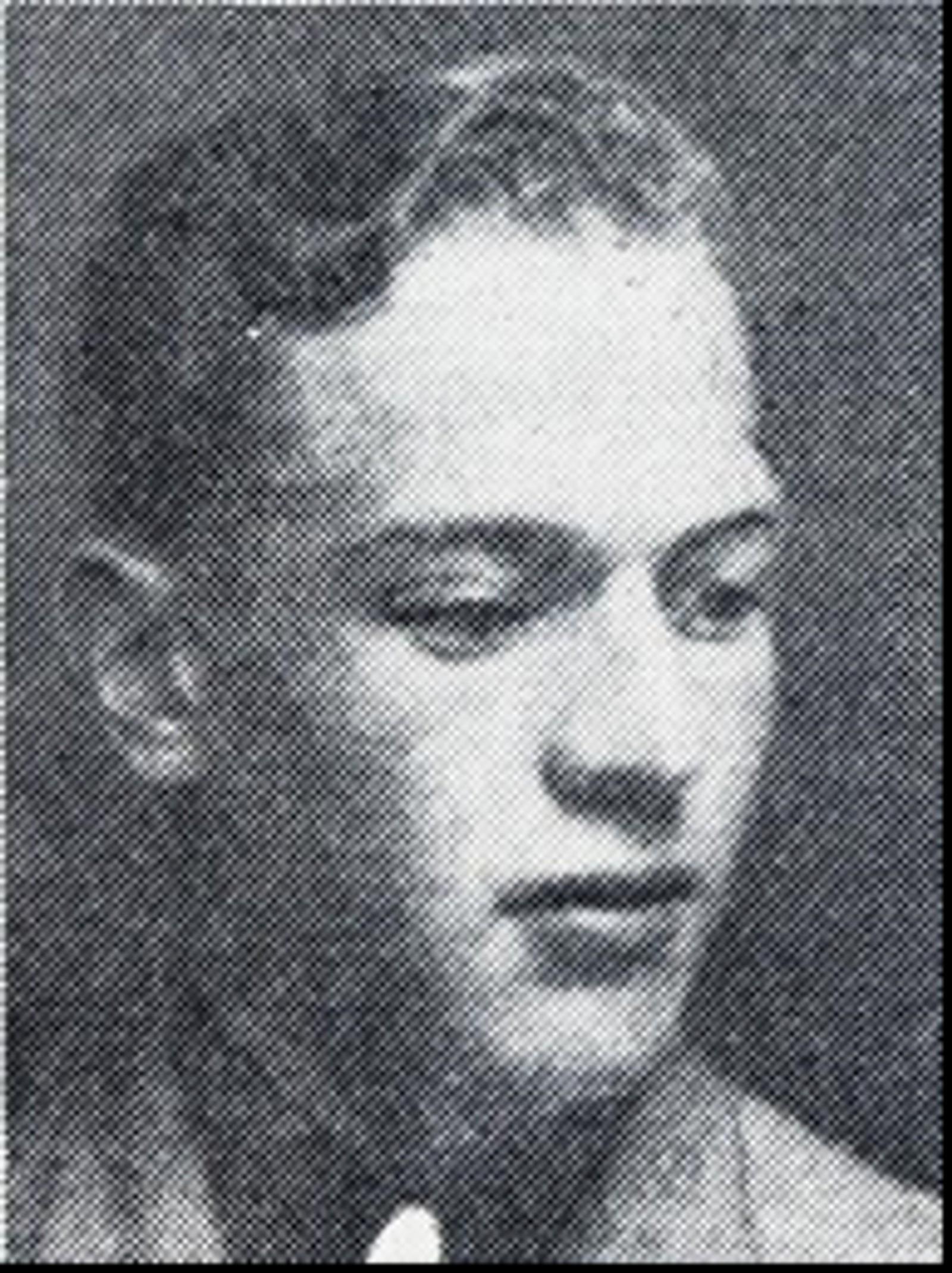 Holger Odvar Skogvold: Soldat, bodde i Oslo. Var soldat på Oscarsborg festning da Norge ble med i krigen. Ble tatt til fange av tyskerne, men klarte å flykte til Elverum. var med i kampene og falt 11.april i Elverum.