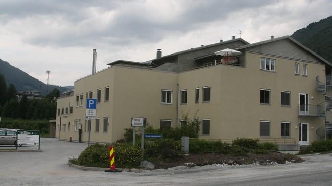 Helse- og sosialsenteret i Sogndal. Foto: Kjell Arvid Stølen, NRK.