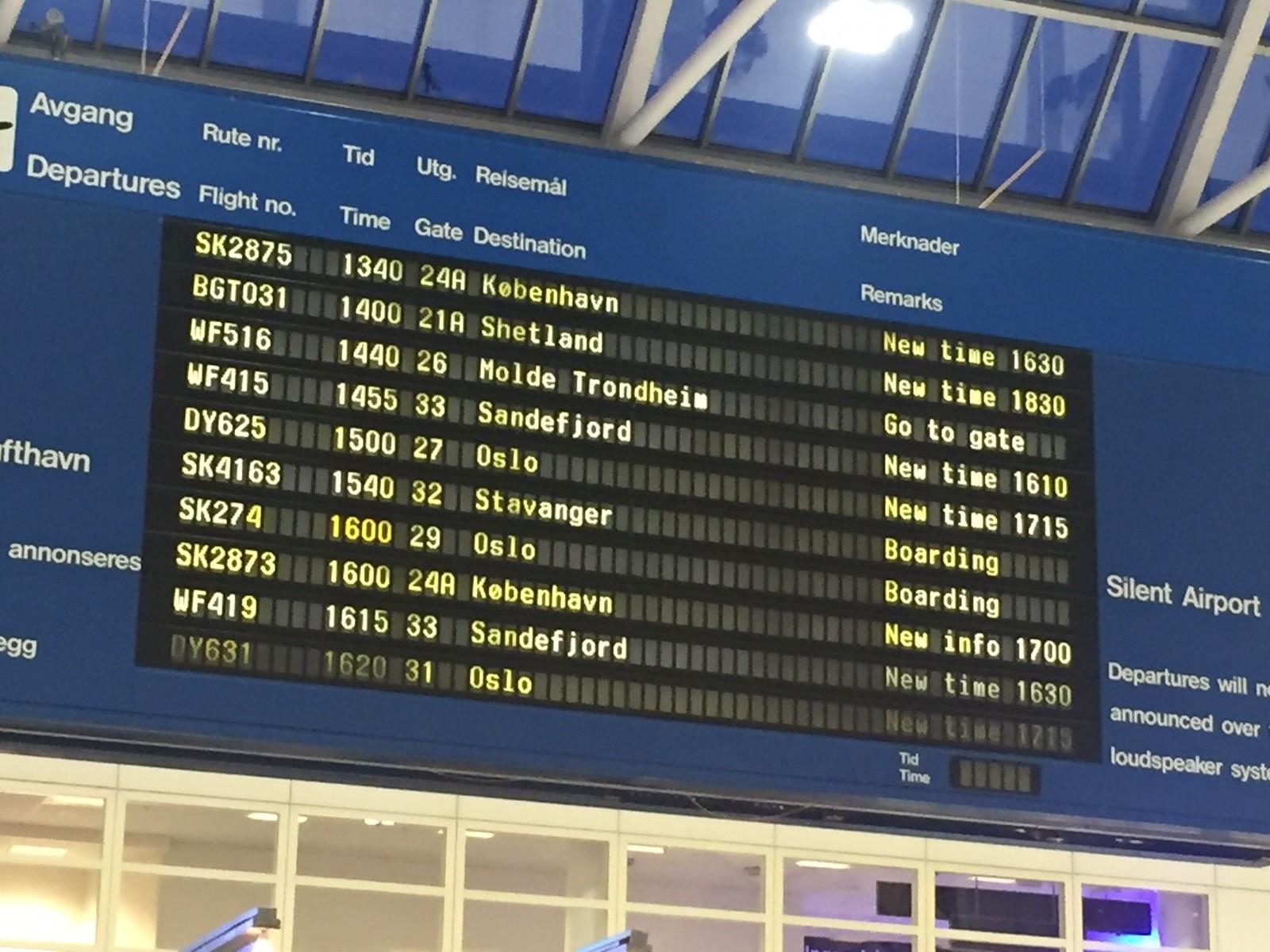 Flyene kan nå lette fra Flesland etter stenging, men snøkaoset gir forsinkelser utover kvelden.