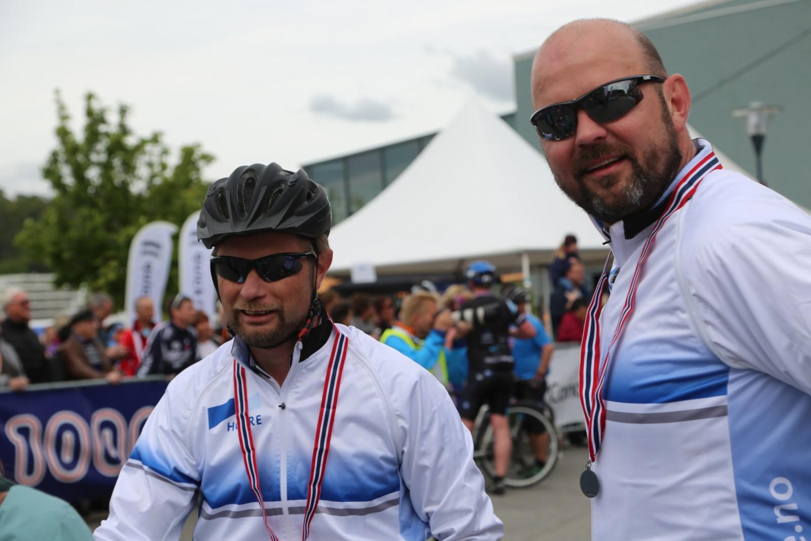 Helseminister Bent Høie og mannen Dag Terje Klarp Solvang i mål.