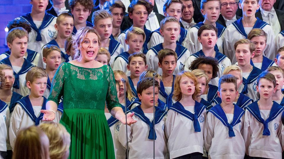 Sølvguttene synger julen inn