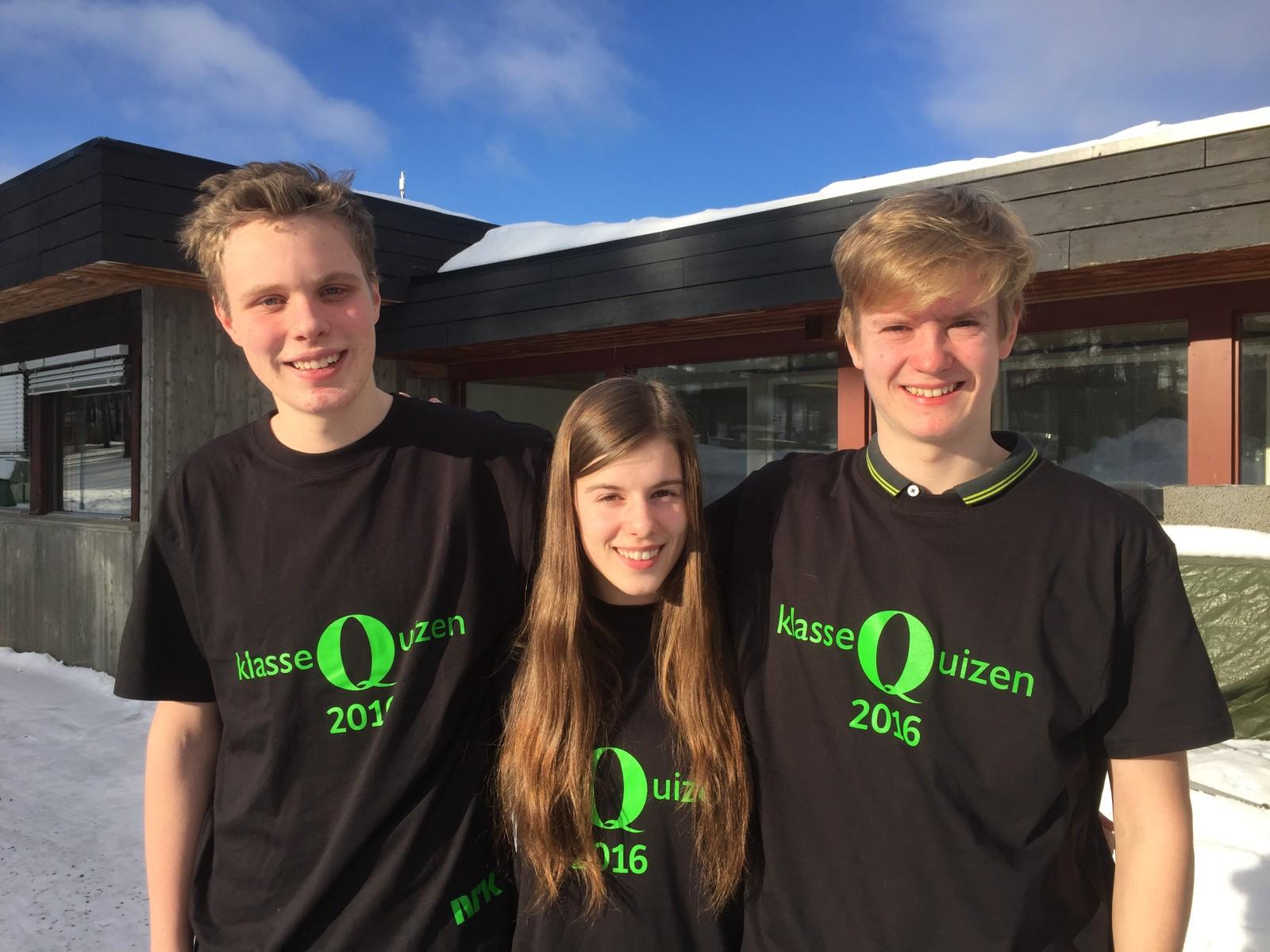 Johannes Matias Bjølverud Aas, Ingvild Marie Angard og Amund Flaten Svisdal fra Dovre ungdomsskole fikk seks poeng.