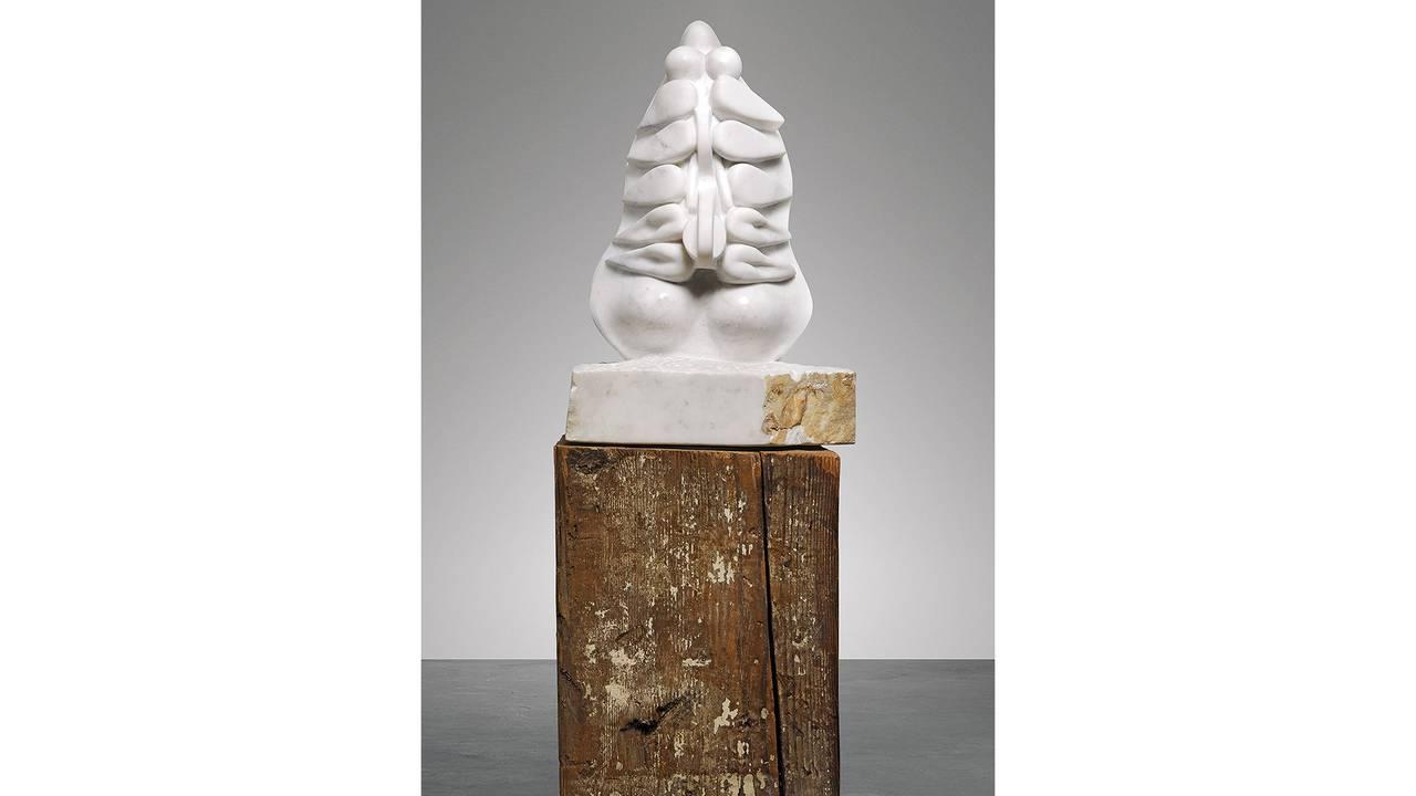 Louise Borgeouis: «Torso, Self-Portrait» (Hvit marmor på sokkel av tre. 1963-64)