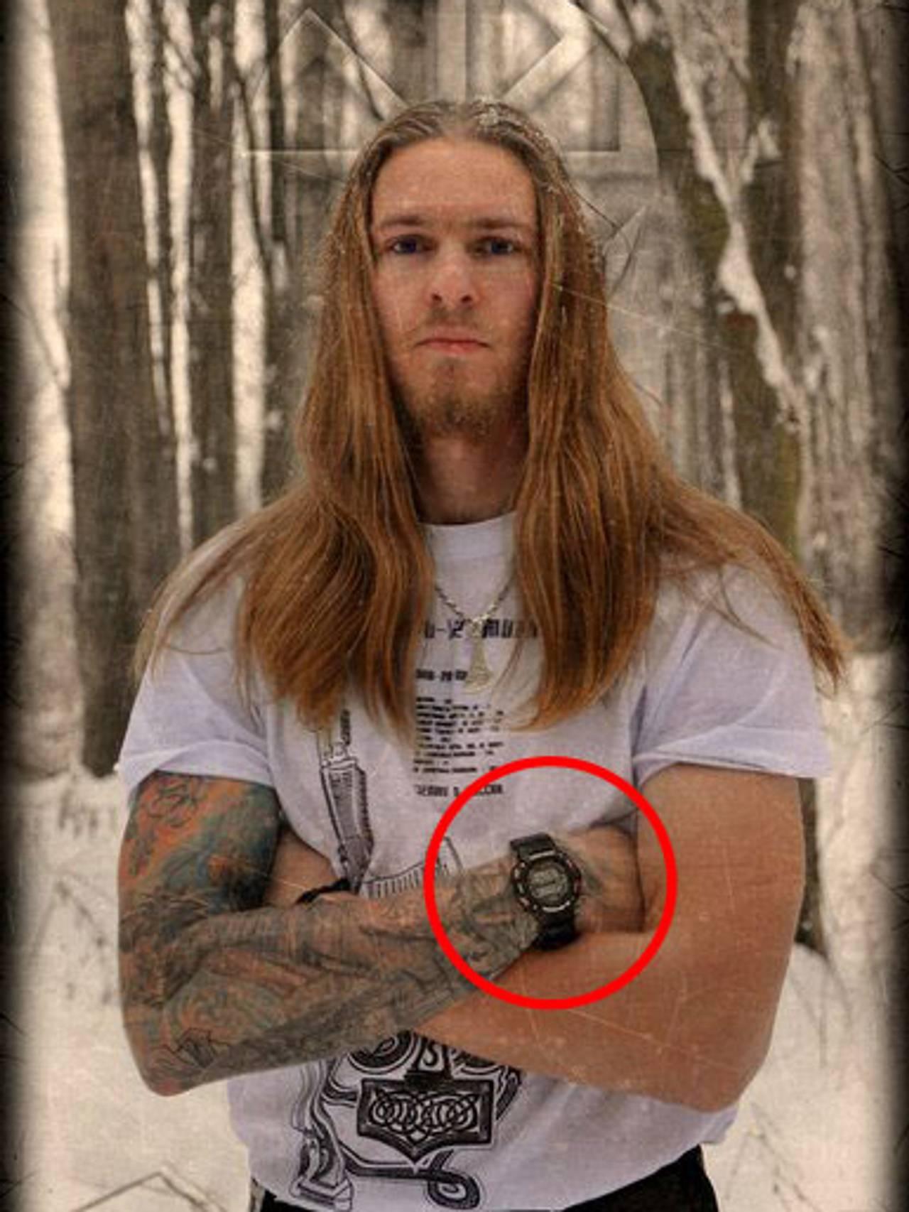 Petrovsky med klokke og bare armer
