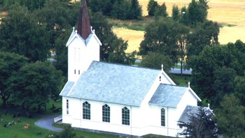 Åsen kirke, sett fra Stokkvola