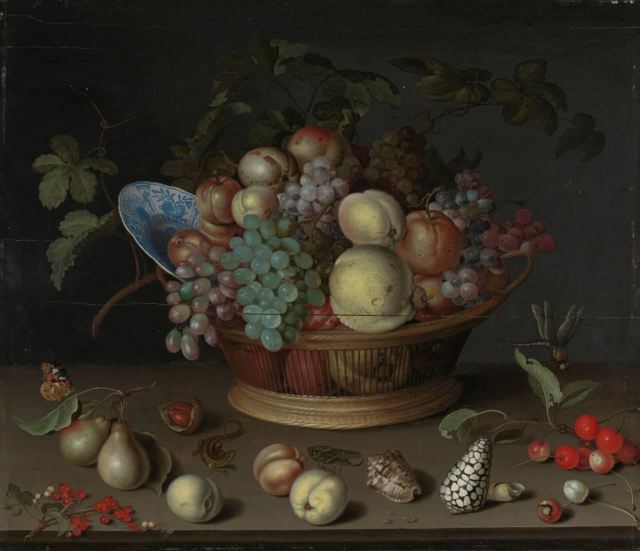 Ei vakker fruktkorg plassert på eit bord. Slik såg måleriet ut før reinsing.