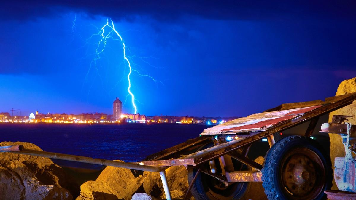 Lynnedslag i Italia 21 mai 2012 - Foto: Moyan Brenn/Flickr