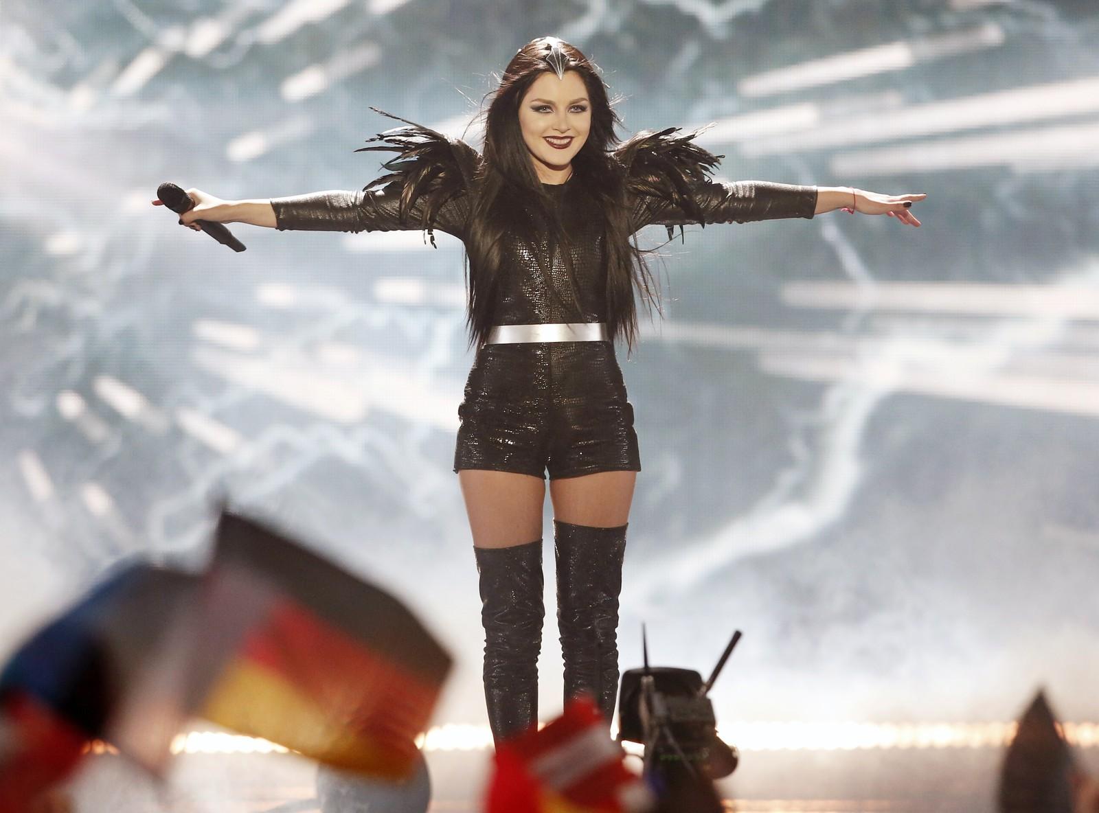 23. GEORGIA: Artisten Nina deltar i år for Georgia. Hun skal synge låten «Warrior», som hun har skrevet selv. Nina nyter allerede stor suksess i hjemlandet Georgia der hennes debutalbum i fjor var årets mestselgende album.