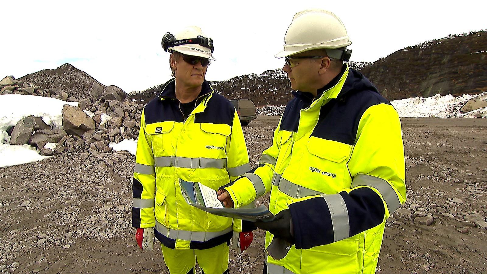 HMS ingeniør Tor Arne Bekkedal og kommunikasjonssjef i Agder energi Christian Altmann.