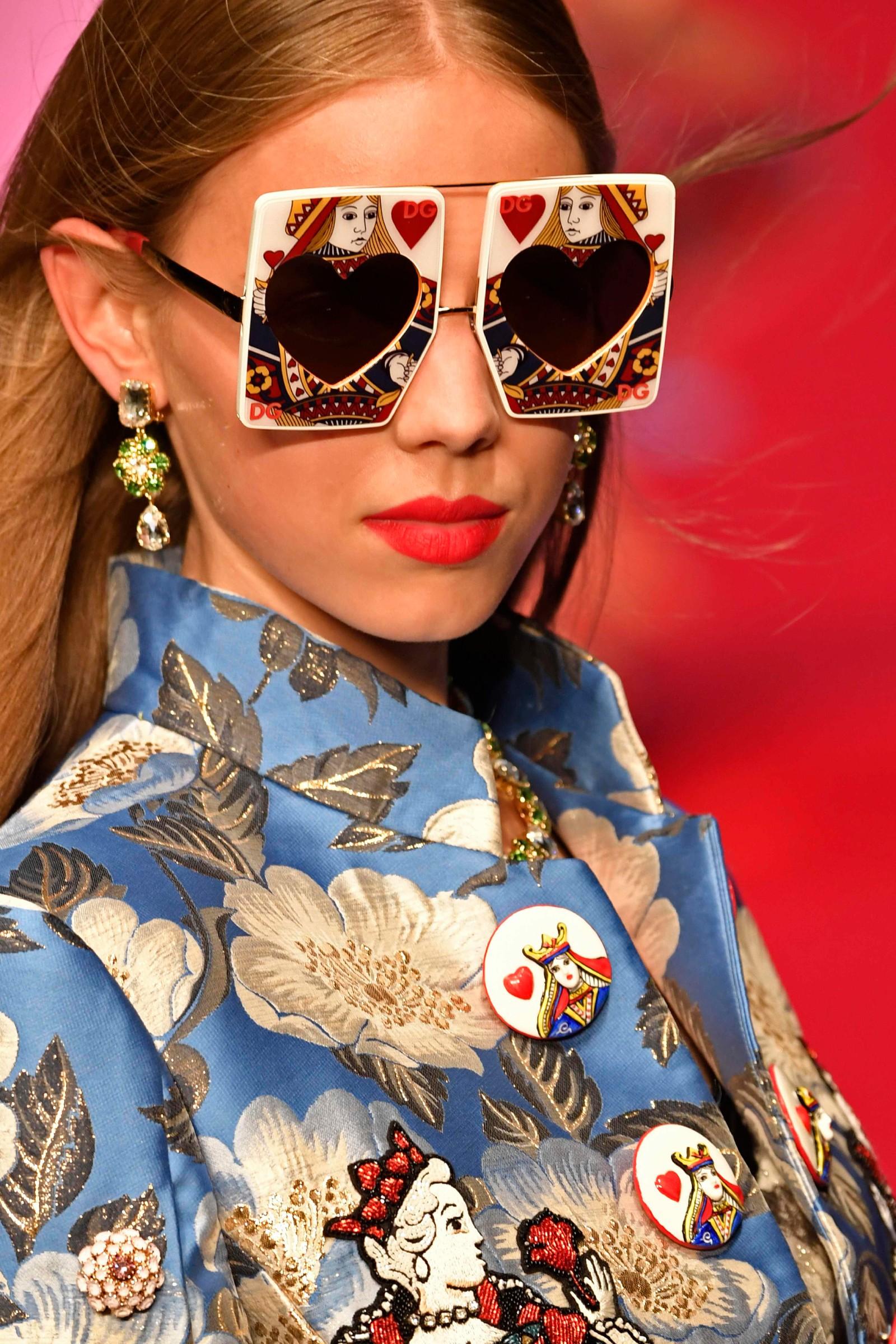 Dolce & Gabbana: Kortstokk-briller.