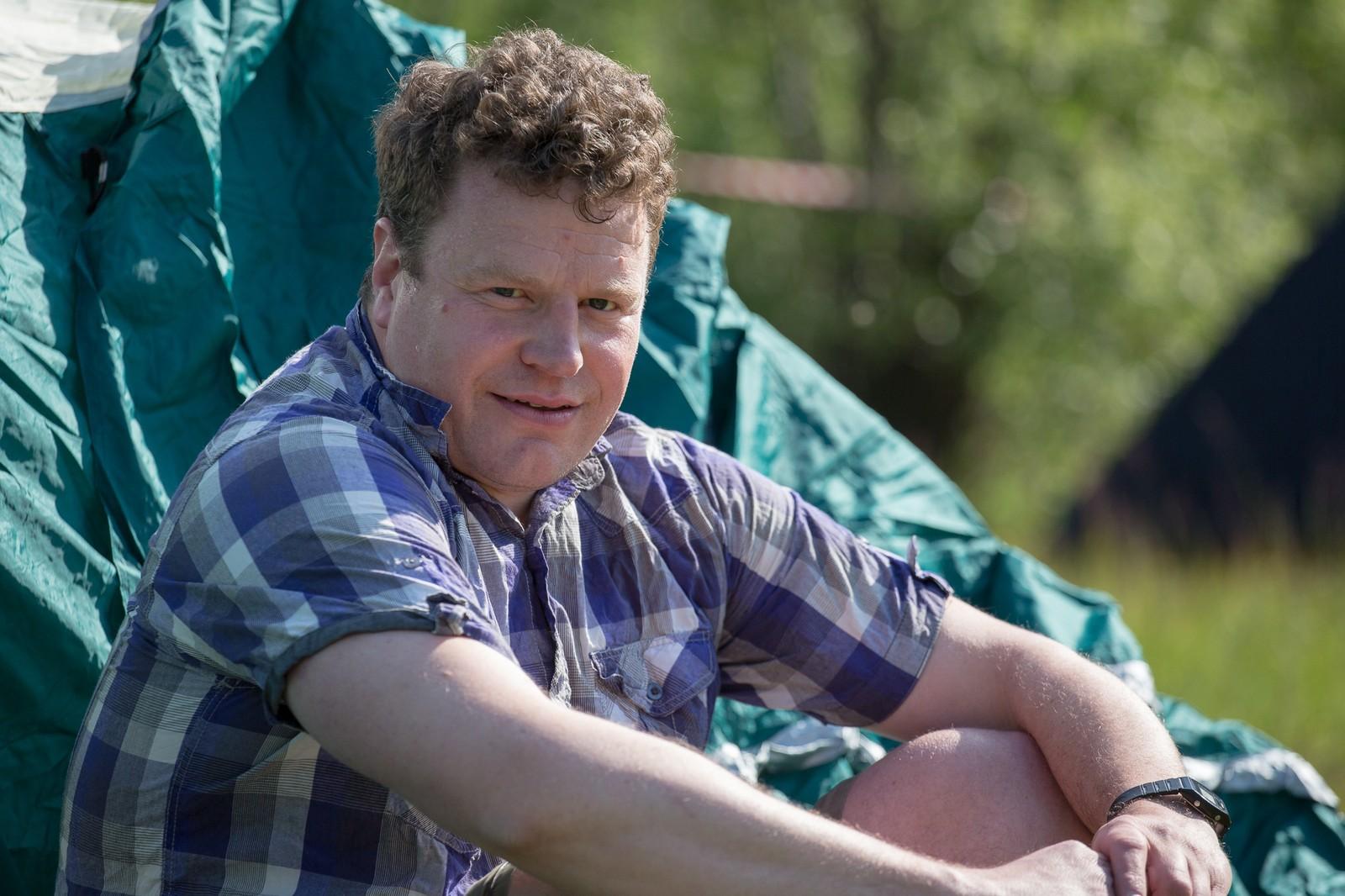 Fridtjof Janson fra Gudbrandsdalen har fått opp festivalteltet sitt.