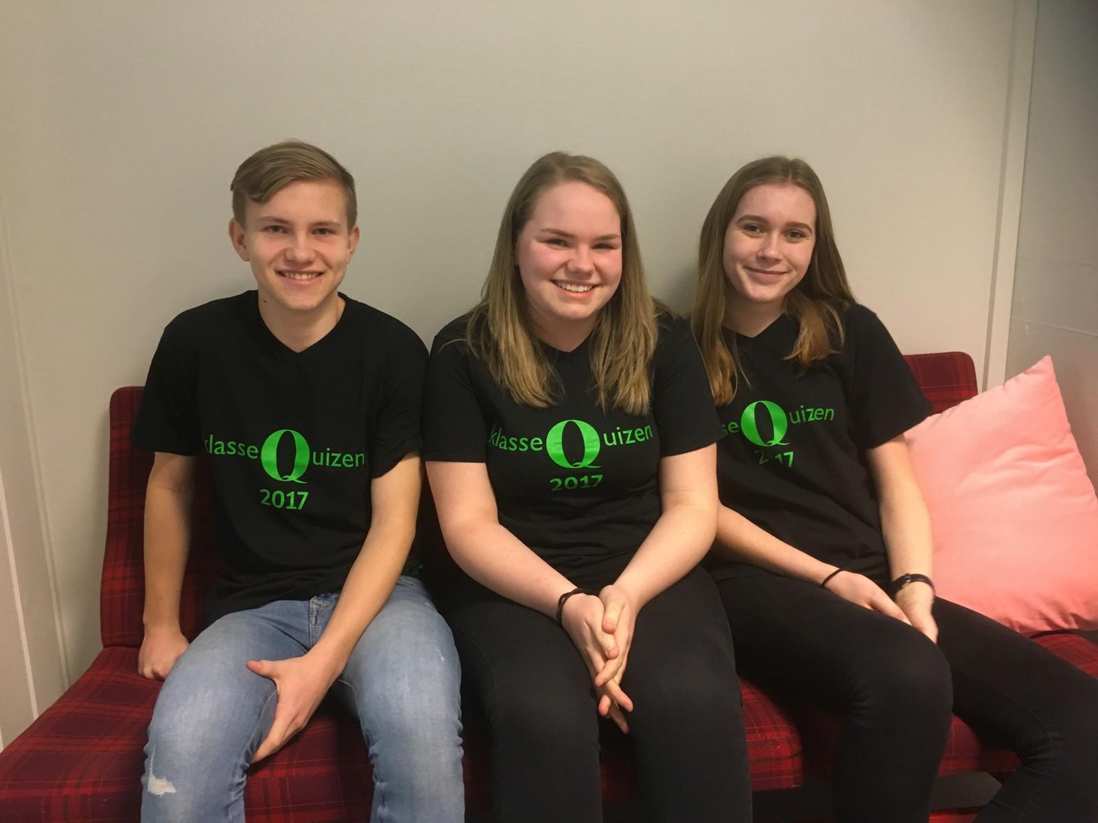 Eskil Pettersen, Mia Weronica Bjørgan Torp og Emilie Elde fra Moelv ungdomsskole klarte seks rette i Klassequizen.