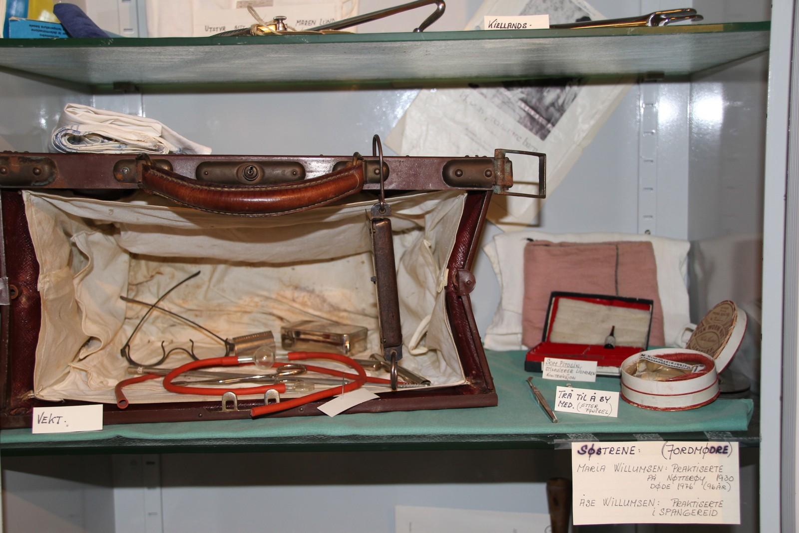 Jordmødrene hadde instrumentene sine i vesker de bragte med seg