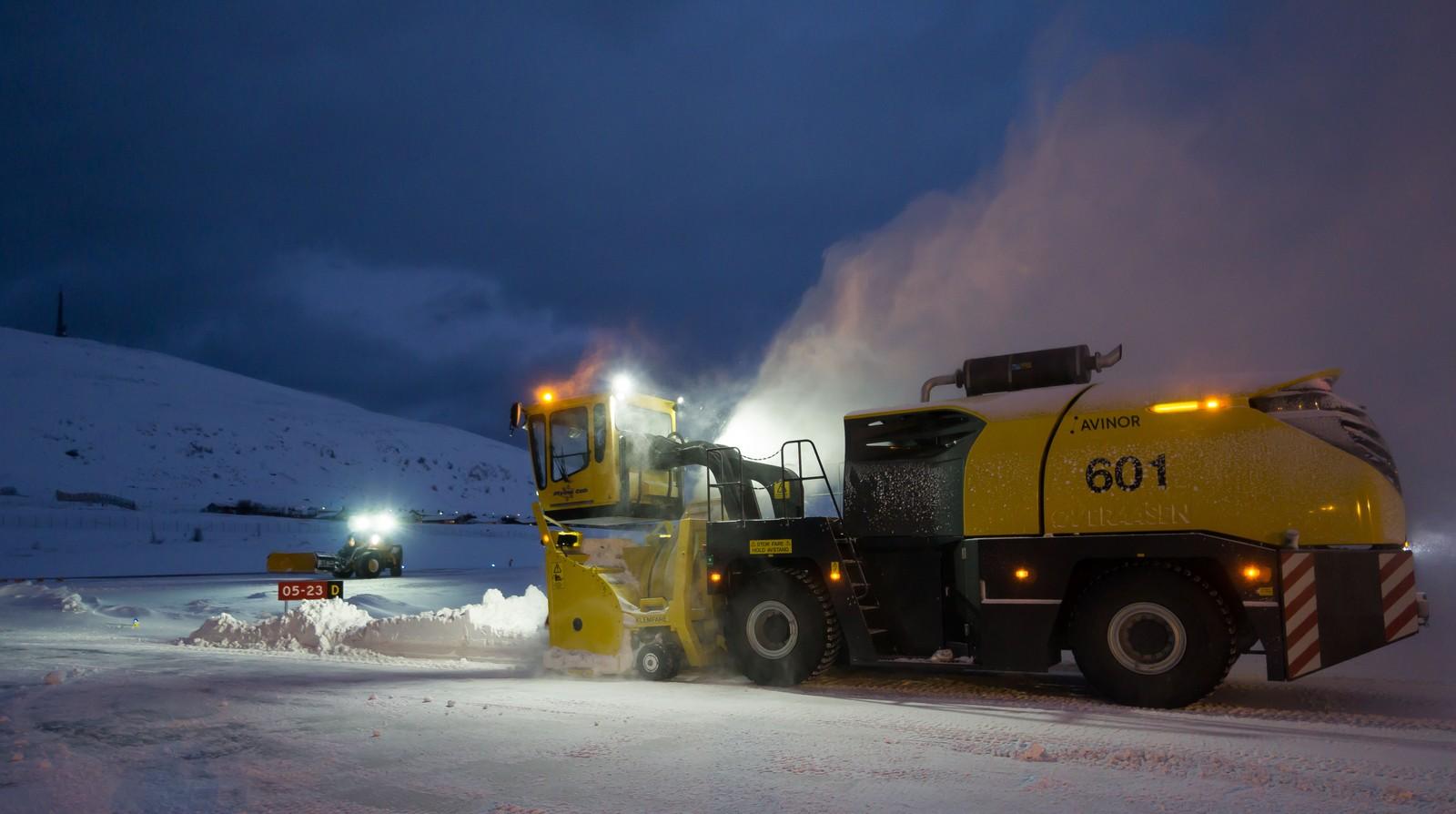 Snøfreseren ved Hammerfest lufthavn kan rydde 7.000 tonn snø i timen.
