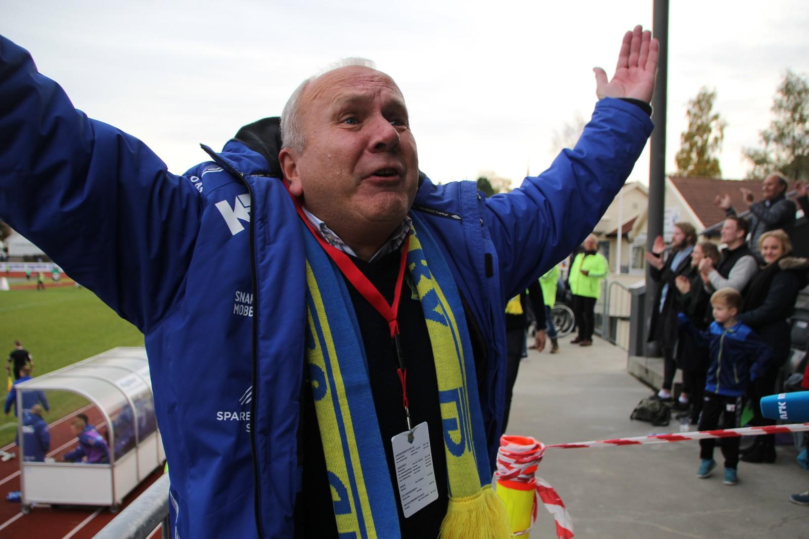 Styreleiar i Jerv Per Gunnar Topland jublar for kvalifiseringsplass.