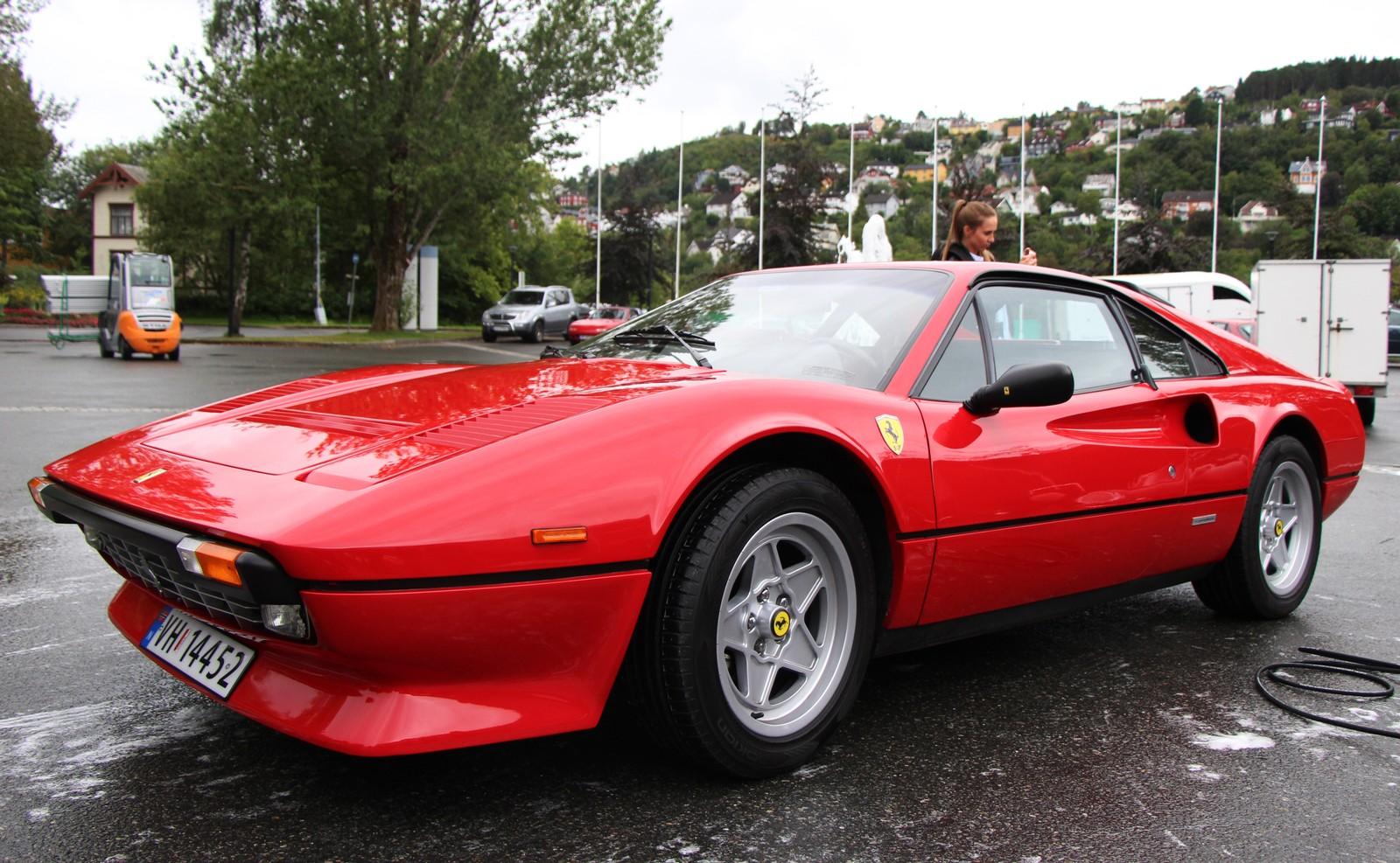 Nystads Ferrari 308 GTB er fra 1984, og det er produsert 225 utgaver av den.