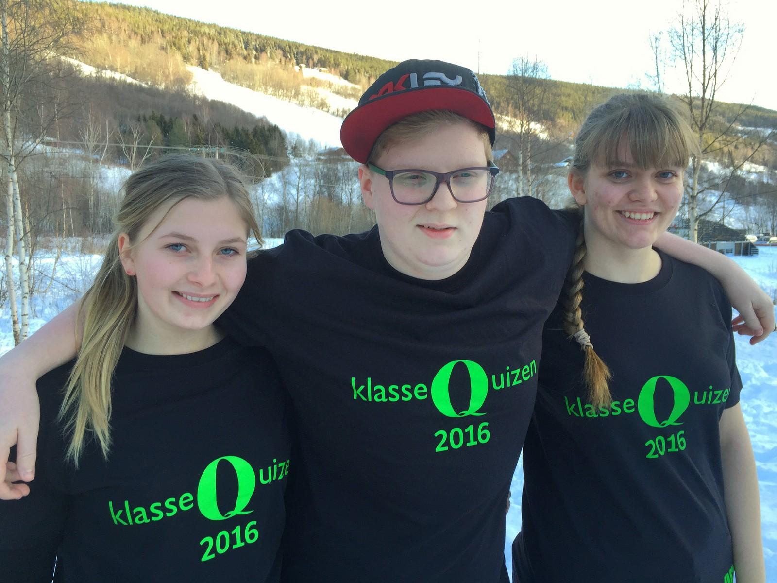 Marita Walheim, Marius Øygard og Cornelia Randen Nordlien fra Heidal skule fikk ni poeng.