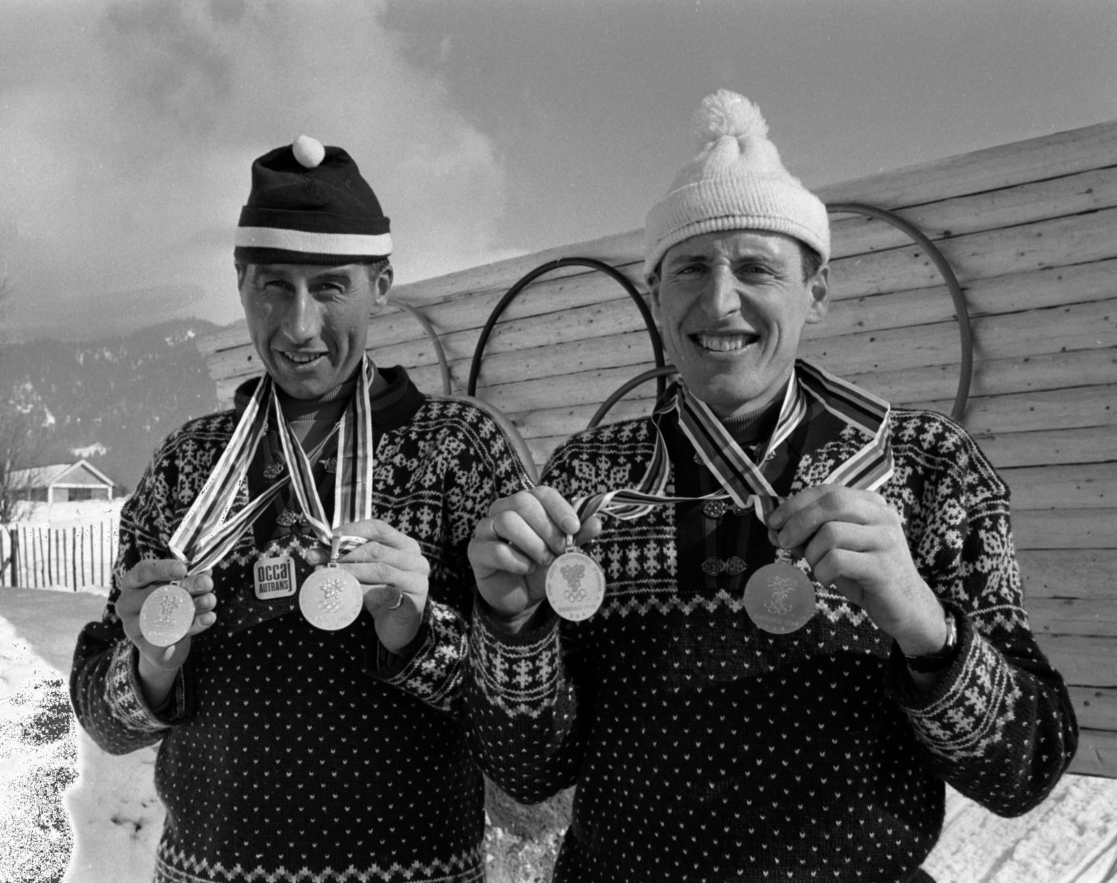 Norge ble beste nasjon i Grenoble-OL med seks gull. Her to av gullvinnerne i langrenn: Harald Grønningen (t.v.), som tok gull på 15 kilometer og i stafetten, og Ole Ellefsæter, gull på 50 kilometer og i stafetten.