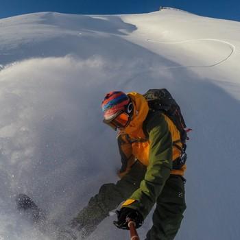 Stian på snowboard