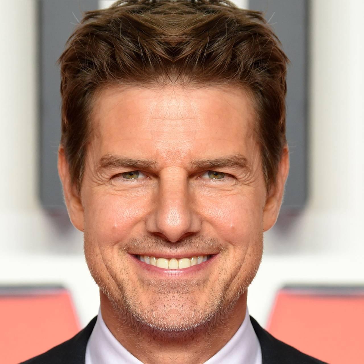 Portrettbilde av Tom Cruise hvor venstre side er speilet