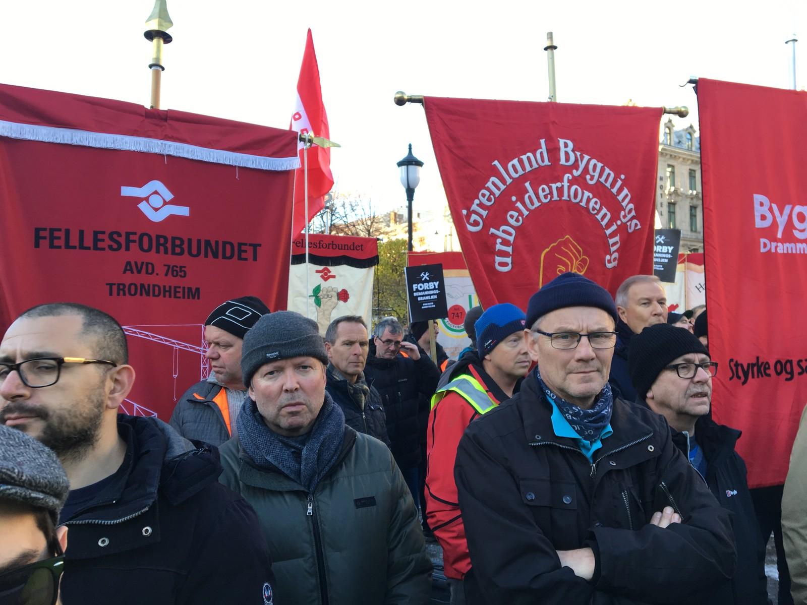 Demonstrasjon utenfor Stortinget onsdag mot bruk av bemanningsbyråer.