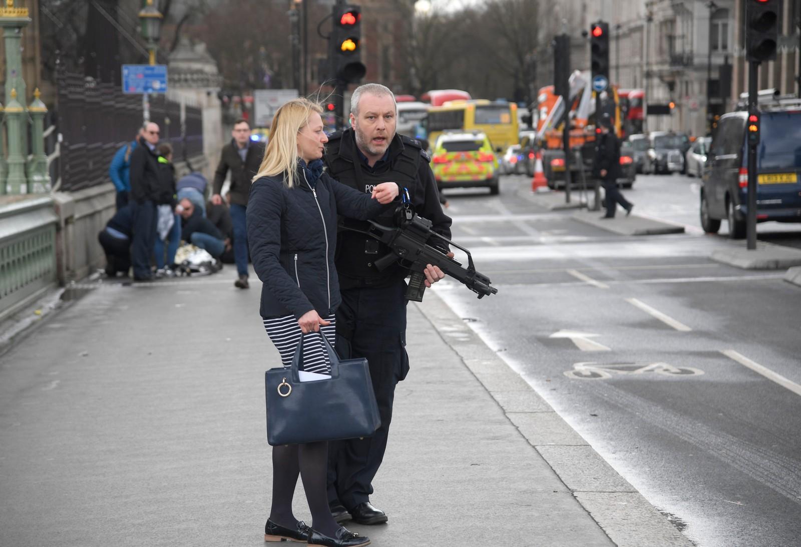 Bilder fra angrepet ved parlamentet i London.