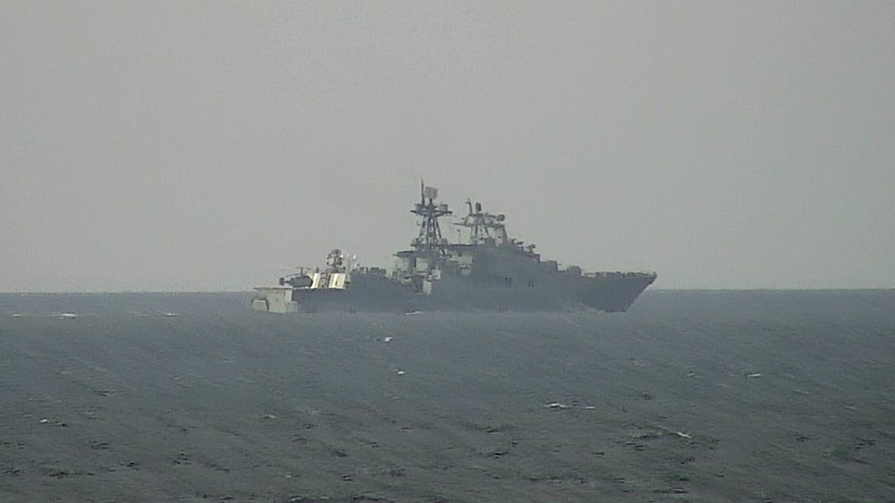 Russiske krigsskip øver utenfor kysten av Norge.