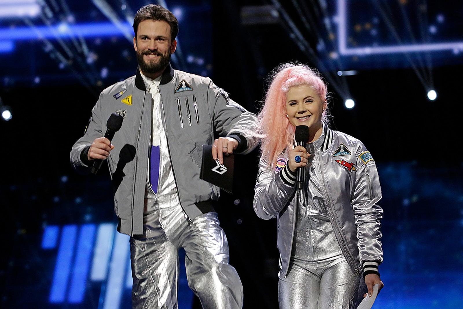 Programlederne Kåre Magnus Bergh og Line Elvsåshagen ledet showet med glans.