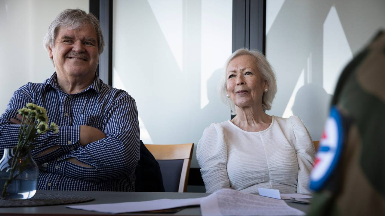 Inger Rapp og hennes mann Magne Tomassen på Luftfartsmuseet i Bodø.