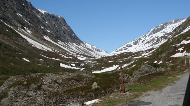 Gamlevegen over Tystigen er framleis open om sommaren. Foto: Ottar Starheim, NRK.