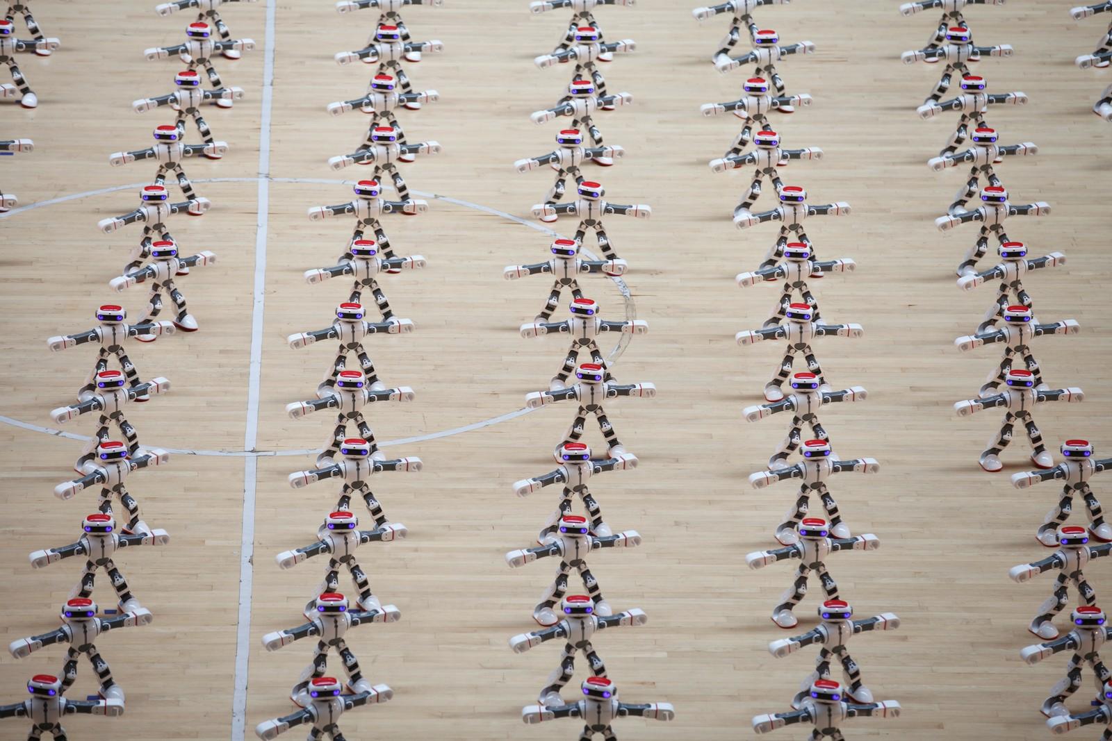 Kanskje du skal ta robotdansen i helga? Her har du litt inspirasjon fra en robotkonkurranse som ble arrangert i Dezhou, Kina, denne uka.
