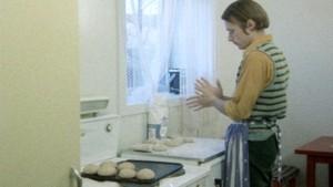 """""""Far baker boller, mor er på jobben"""""""