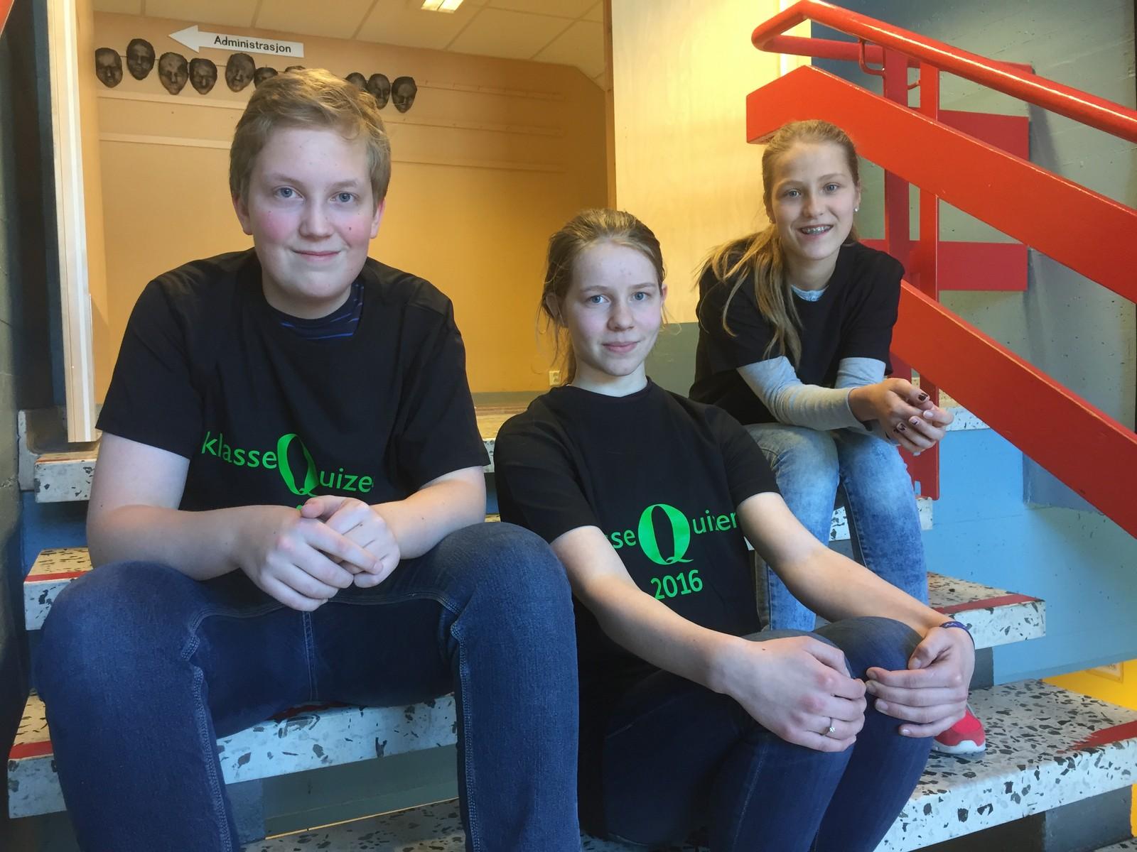 Marius Skaarseth, Johanne Klynderud Sundfør og Ida Delphin Gulbrandsen fra Smestad ungdomsskole fikk 10 poeng.