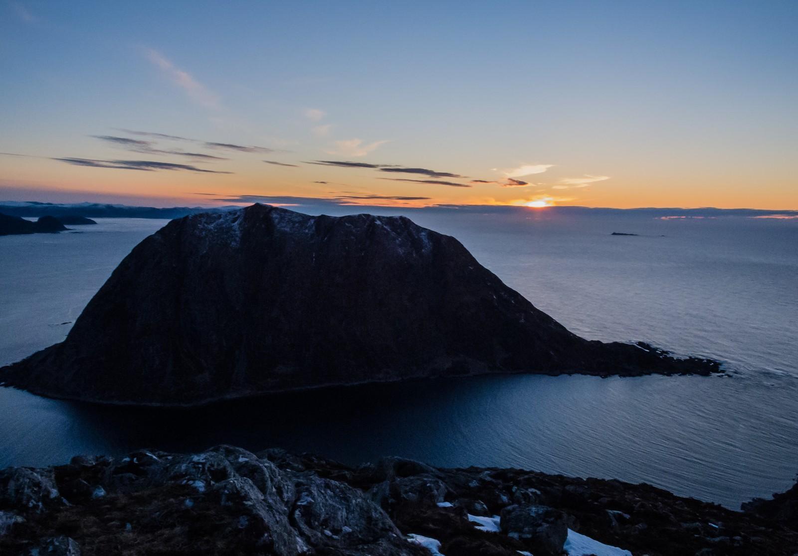 Kveld på Rjåhornet, Nerlandsøya
