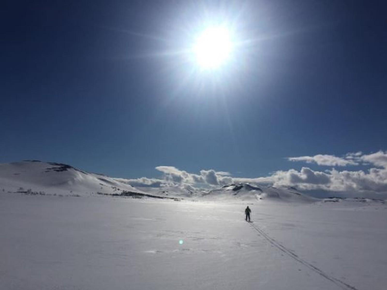 Kanskje årets siste skitur, men herlig vær over Sennalandet.