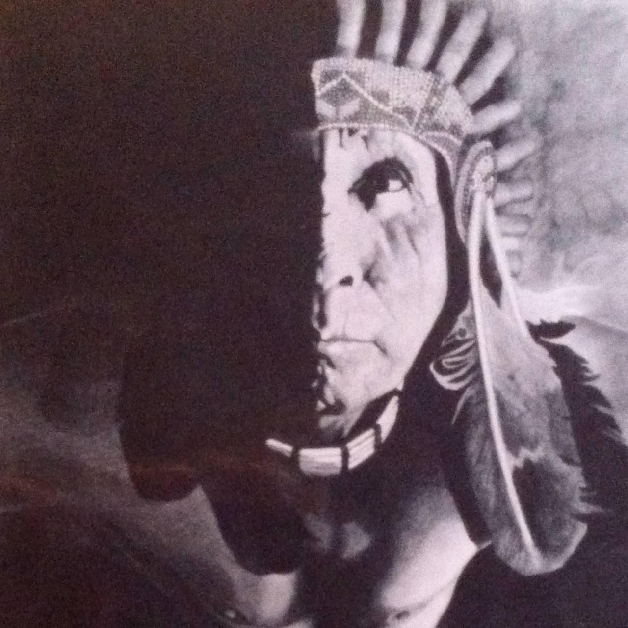 Maleri av en amerikansk indianer som er sett ovenfra