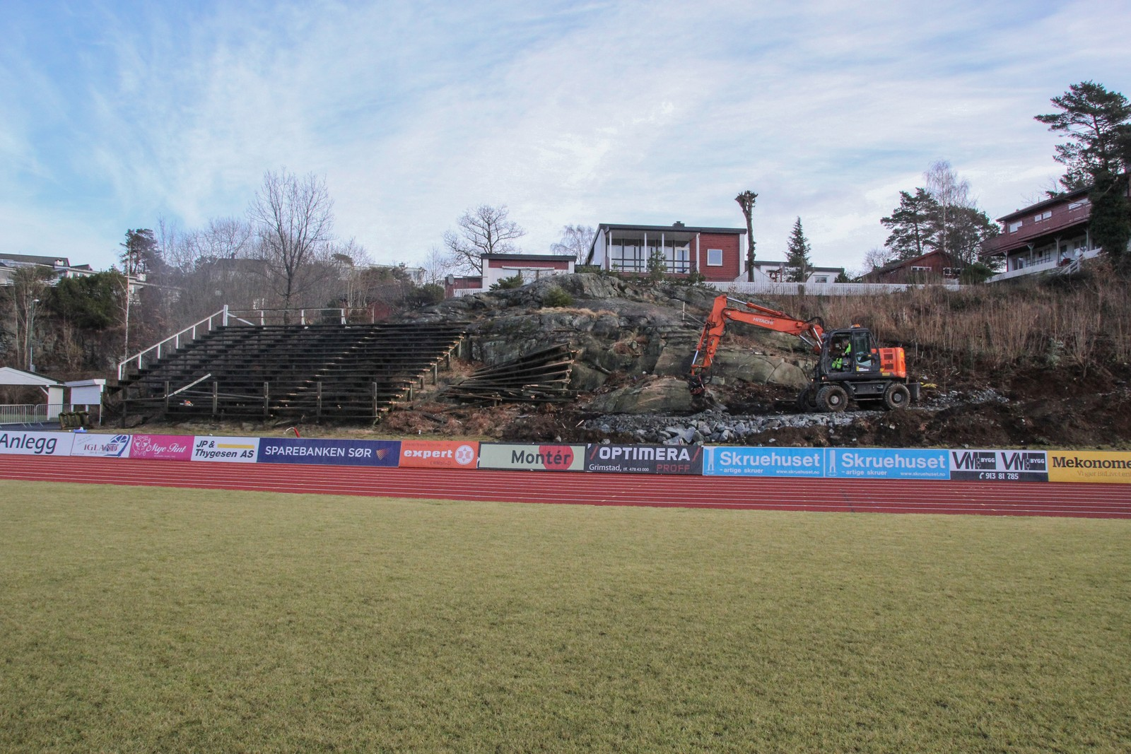 I april debuterer Jerv i 1. divisjon. I den forbindelse må klubbens hjemmebane, J.J Ugland stadion Levermyr, oppgraderes på flere felt.