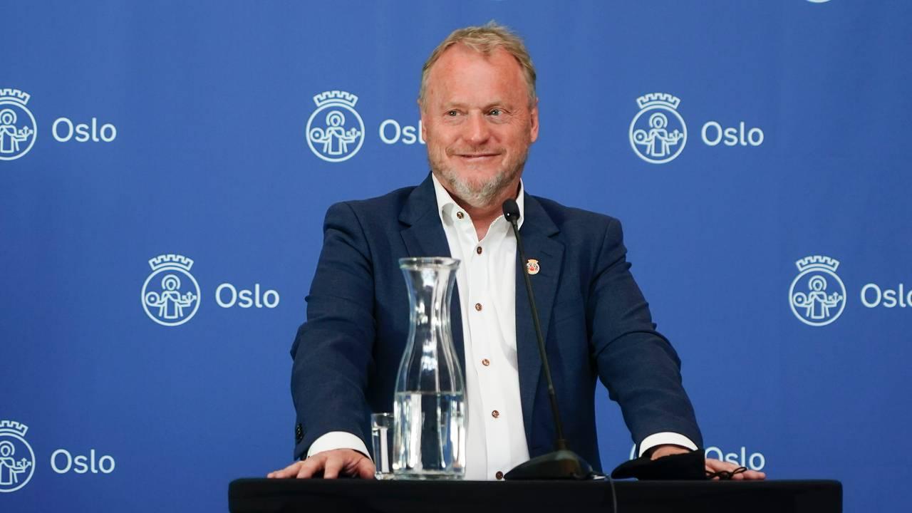 Byrådsleder Raymond Johansen forteller at Oslo gjenåpnes 26. mai.