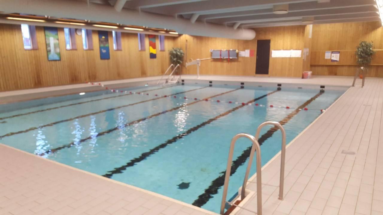 Hele Norge svømmer: Basseng i Tolga svømmehall