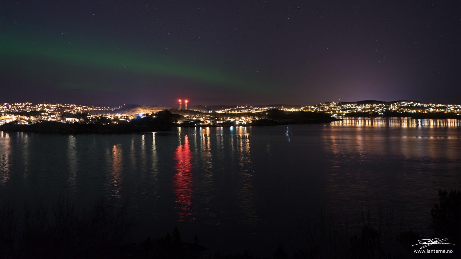 Her er fokus flyttet fra Kristiansand sentrum til Lund bydel, stadig tatt fra Odderøya.
