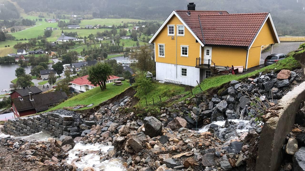 Huset til Bernt Kjøsnes etter raset i juli 2019.